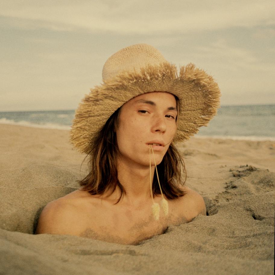 09-pardo-hats